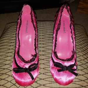 """3"""" Wet Seal Girly Pink and Black Lace Heels - 8.5M"""